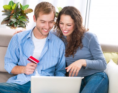 Husband and Wife shopping Online